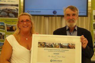 Stonecutters - Karen & Myles receiving Eden Award 2015(3)