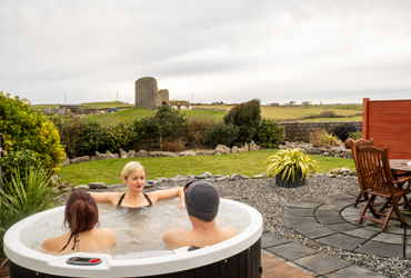House in Doolin Village with hot tubs